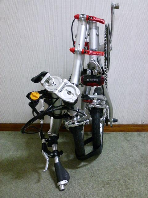 自転車の 3輪自転車 電動 パナソニック : 電車のドアーの横のスペースに ...